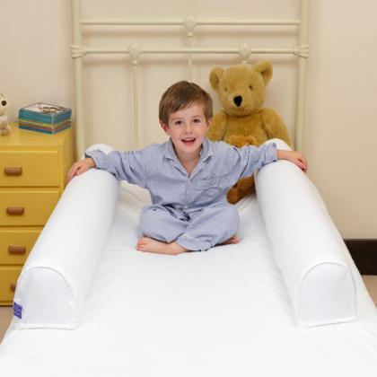 Dream Tubes – uppblåsbara sidoskydd för säng